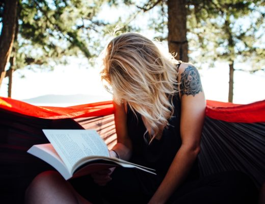 femme qui lit