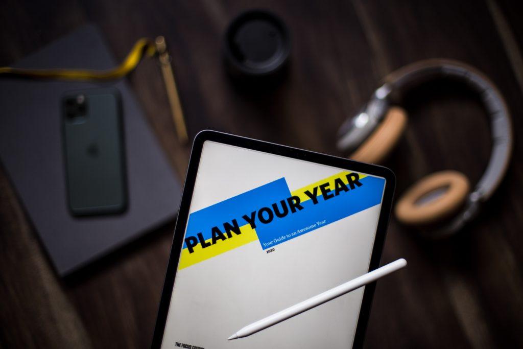 Planifier ses objectifs pour entreprendre en étant salarié